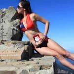 Scalava montagne in bikini: cade e muore congelata l'atleta di Taiwan Gigi