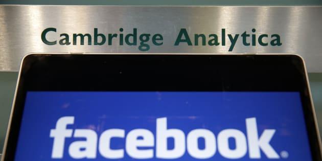 """Après l'affaire Facebook, Cambridge Analytica cesse """"immédiatement toutes ses opérations"""""""