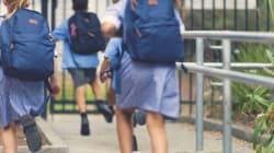 35% des jeunes Anglaises ont été harcelées en uniforme