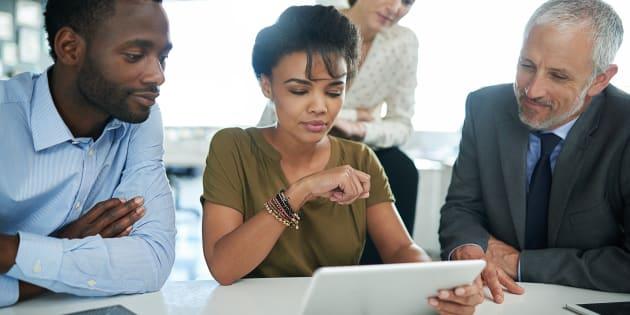 Apenas 50% das mulheres estão representadas na força de trabalho global, comparado com 76% dos homens.
