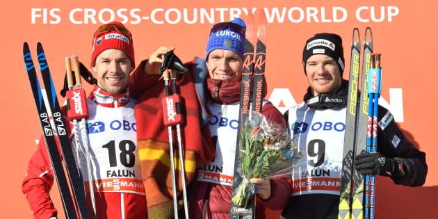 Alex Harvey, Alexander Bolshunov, et Dario Cologna forment le podium à Falun.