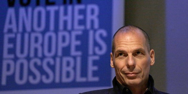 """Former Greek Finance Minister Yanis Varoufakis speaks at a """"Vote In - Another Europe is Possible """" rally in London, Britain May 28, 2016. REUTERS/Neil Hall"""