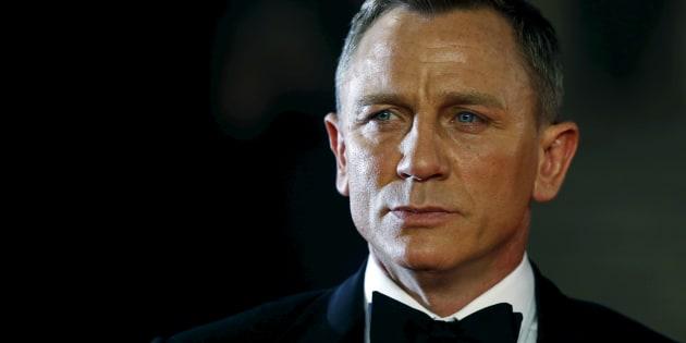 """James Bond : Daniel Craig accepte de reprendre le smoking de l'agent secret alors qu'il avait dit """"Jamais plus jamais"""""""