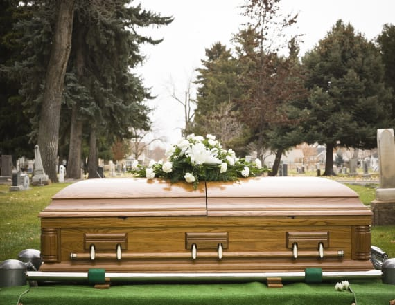 Deceased man's wife and girlfriend fight at funeral
