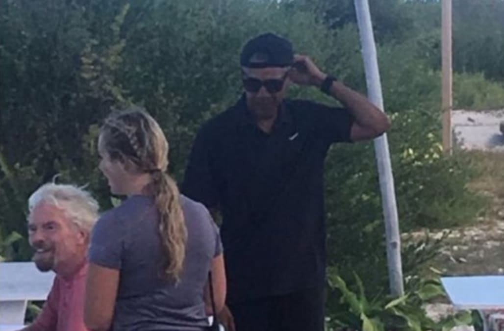 Obama in a backwards hat has Twitter in chaos - AOL News f681ddb3241a