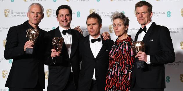 El equipo de 'Tres anuncios en las afueras', de izquierda a derecha: el director Martin McDonagh, el productor Peter Czernin, el actor Sam Rockwell, la actriz Frances McDormand  y el productor británico Graham Broadbent.