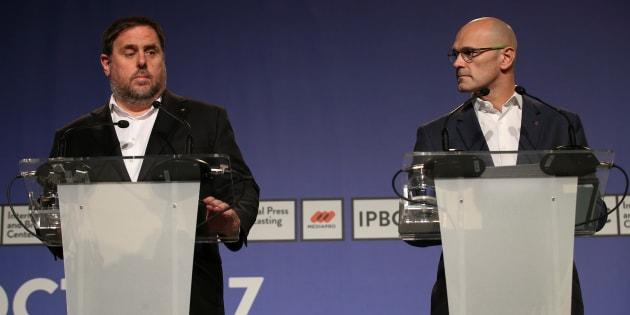 Oriol Junqueras y Raül Romeva, durante una rueda de prensa conjunta en Barcelona en septiembre de 2017.