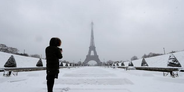La neige de retour à Paris: la préfecture conseille de ne pas prendre sa voiture en Ile-de-France.