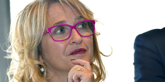 """La députée LREM Véronique Hammerer trouve """"terrible"""" de devoir refréner ses envies de décapotable et Porsche Cayenne"""