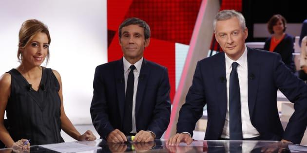 """Bruno Le Maire aux côtés de David Pujadas et Léa Salamé jeudi 20 octobre sur le plateau de """"L'Emission politique""""."""