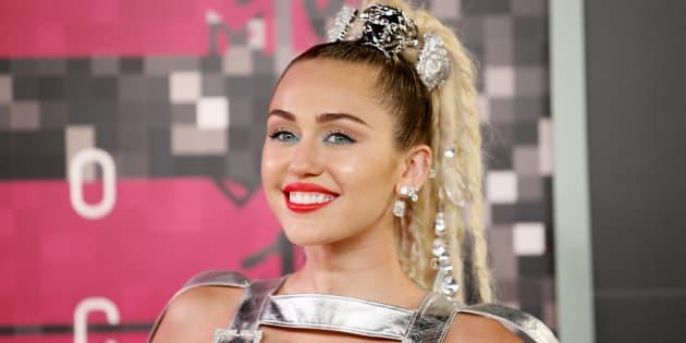"""Le (très généreux) coup de pouce de Miley Cyrus à une ancienne candidate de """"The Voice"""""""