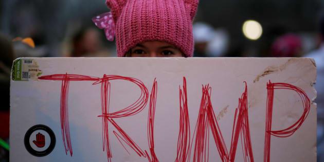 Les bonnets roses à oreilles de chat («pussy hats») sont devenus le symbole de l'opposition au nouveau président Donald Trump.