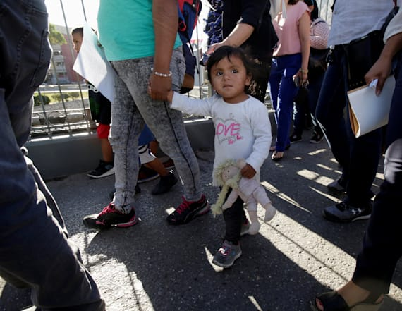 US says 2,053 children still separated from families