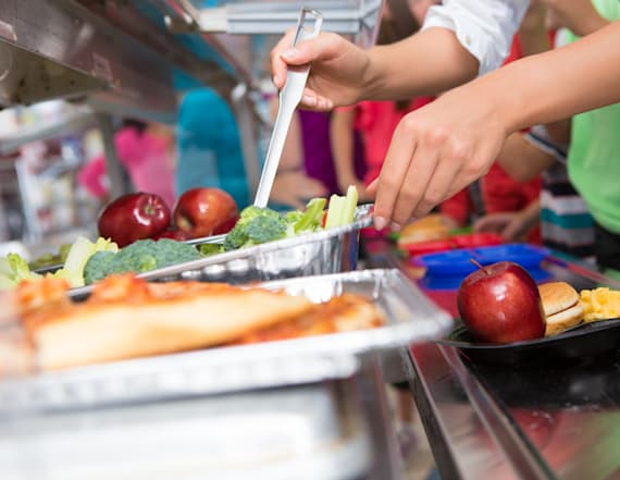 School throws out meals of students with lunch debt