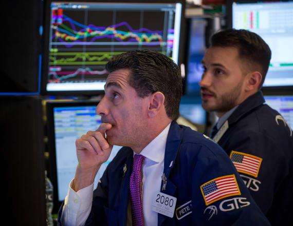 Wall Street sells off, Dow plummets 2.1 percent