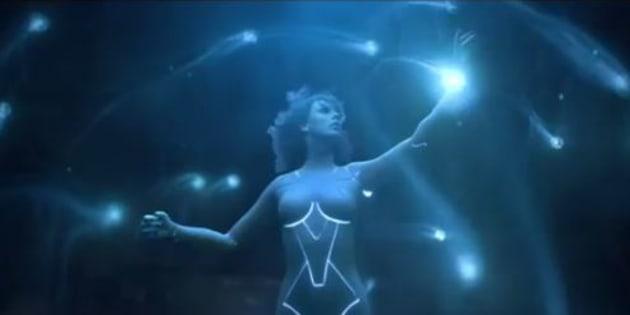 """""""Ready fort It"""": Taylor Swift se la joue Ghost in the Shell dans son prochain clip."""