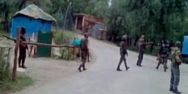 Kashmir: 10 soldiers injured in grenade attack