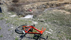 Quando la strada è amara: dai fiori di Merckx alla tragedia di Scarponi, i tanti casi di ciclisti