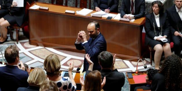 Le Premier ministre Edouard Philippe applaudi lors de son discours de politique générale à l'Assemblée nationale à Paris, le 4 juillet 2017.