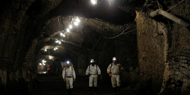 Workers are seen underground South Africa's Gold Fields South Deep mine in Westonaria, 45 kilometres south-west of Johannesburg, South Africa, March 9, 2017. Picture taken March 9, 2017. REUTERS/Siphiwe Sibeko