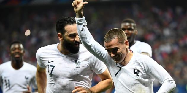 Antoine Griezmann vient d'inscrire sur penalty le 2e but des Bleus face à l'Italie à Nice le 1er juin 2018.