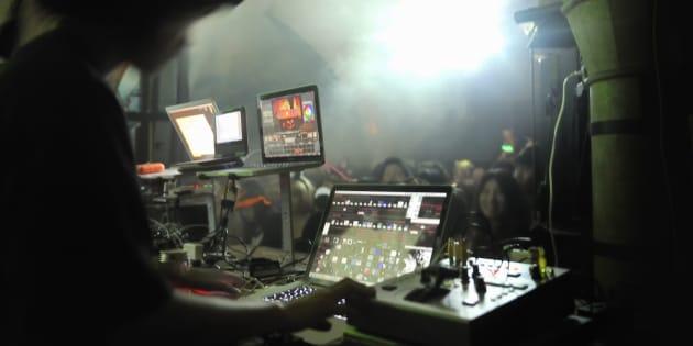 Que reste-il comme parades pour les DJs qui pratiquent avec sincérité leur art?