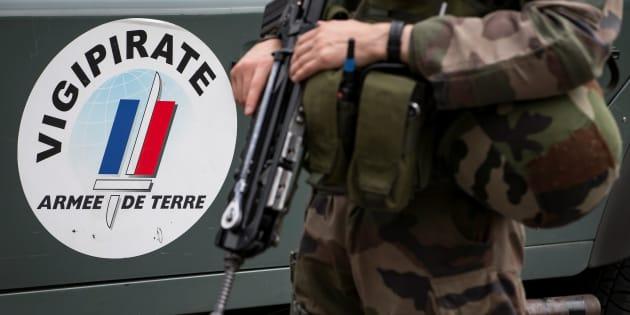 Attaque d'un militaire proche de Châtelet à Paris: l'agresseur mis en examen