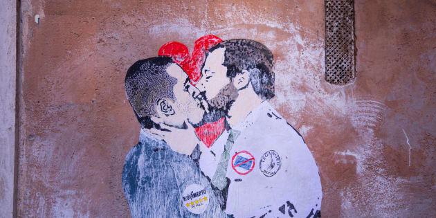 PIAZZA CAPRANICA, ROMA, RM, ITALY - 2018/03/23: Murals with Luigi Di Maio and Matteo Salvini kissing in a corner of Piazza Capranica near Montecitorio in Rome. (Photo by Matteo Nardone/Pacific Press/LightRocket via Getty Images)