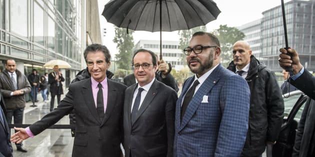 El rey Mohamed VI junto al todavía presidente francés François Hollande durante una visita a Francia este mes de mayo