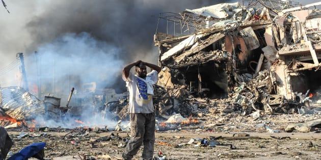 Des dizaines de morts dans un attentat de Mogadiscio, un des pires de l'histoire de la Somalie