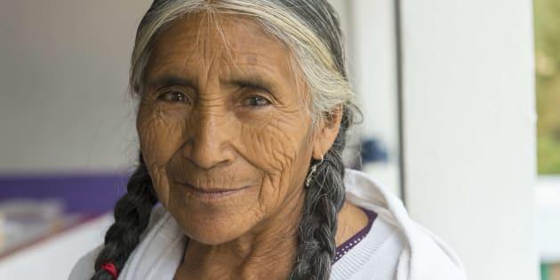 """Retrato de mujer mixteca: """"la mirada orgullosa y el rostro milenario""""."""