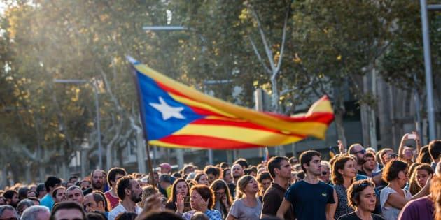 Cerca de 2 milhões de pessoas votaram a favor da independência catalã.