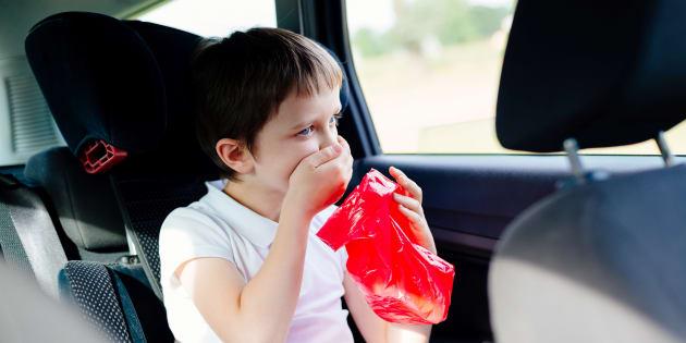 Après avoir tout testé, voici mes conseils pour éviter que vos enfants soient malades en voiture cet été.