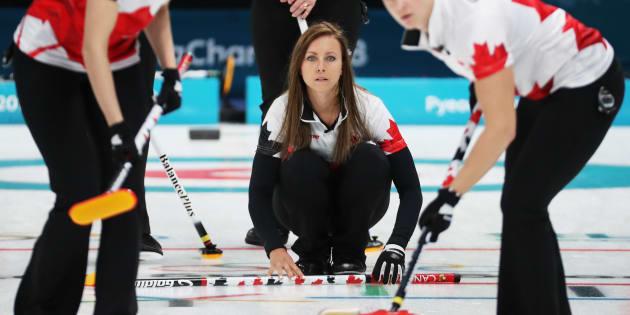 Curling féminin: les Canadiennes s'inclinent à leurs deux premiers matchs