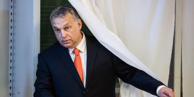Viktor Orban votant à Budapest le 8 avril 2018.