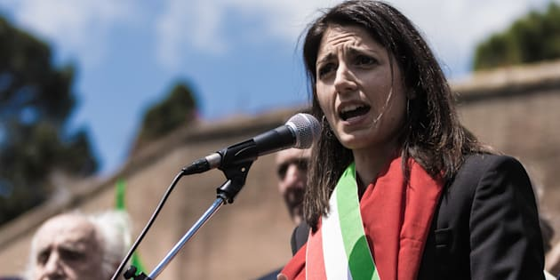 ROME, ITALY - 2017/04/25: Mayor of Rome Virginia Raggi during the  manifestation by ANPI, a national partisan association of Italy for the 72th anniversary of the liberation from Nazi-Fascism. (Photo by Andrea Ronchini/Pacific Press/LightRocket via Getty Images)