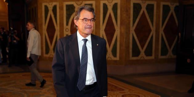 El expresidente de la Generalitat, Artur Mas, esta mañana, acudiendo como invitado al pleno del Parlament.