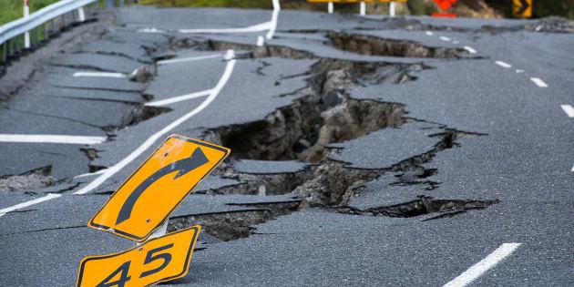 Tremblement de terre sur une autoroute néo-zélandaise dans le sud de Kaikoura.