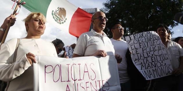 El 60% de los policías en Jalisco carece de seguridad social, de acuerdo con organizaciones civiles que los apoyan.