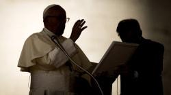 I vescovi Usa prendono posizione: quelli chiamati in causa smentiscono Viganò. Altri chiedono
