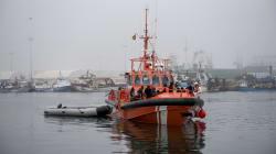 Salvamento Marítimo busca a 47 desaparecidos de una patera hundida en el mar de
