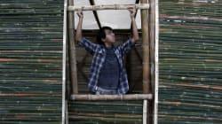 FOTOS: Casas de bambú albergan temporalmente a damnificados del sismo en