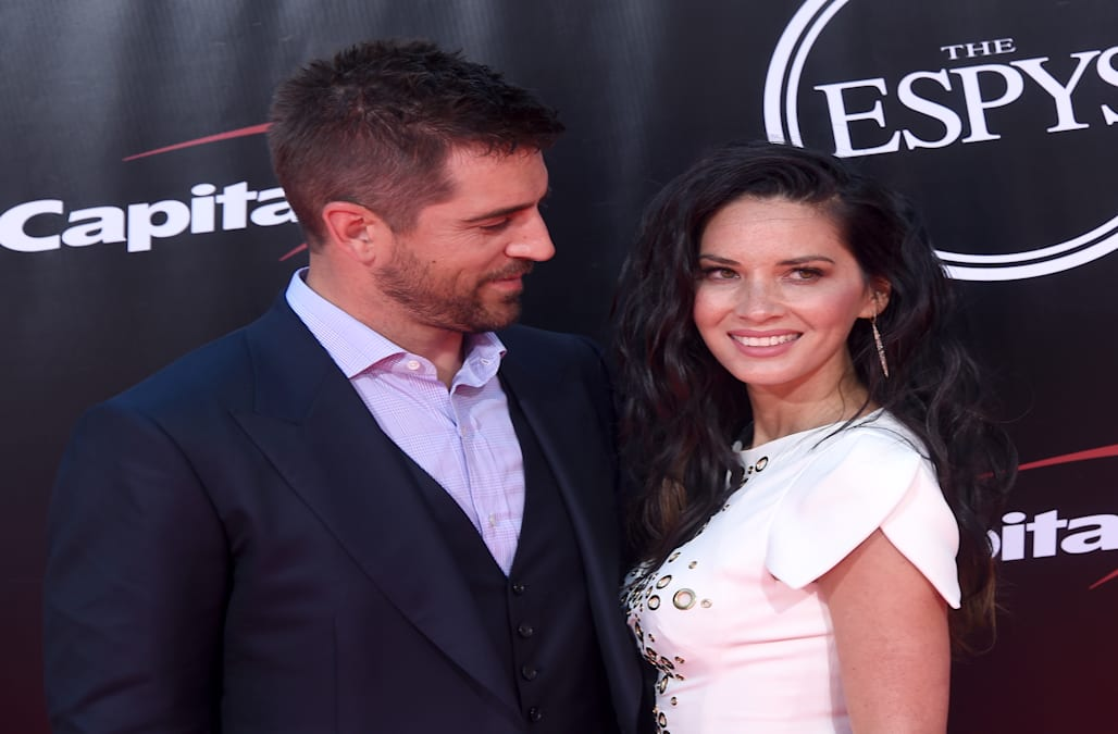 Who is aaron rodgers dating march 2020