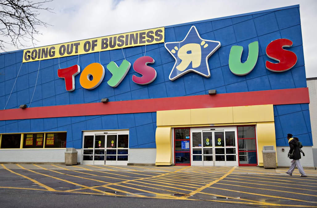Where Toys R Us Loyalists Are Shopping Now Aol Finance - Toys-r-us-black-friday-store-map