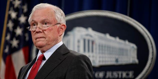 Sessions es interrogado por caso de injerencia rusa
