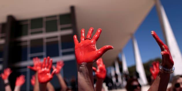 São 11,4 mulheres assassinadas para cada 100 mil mulheres. No Brasil, a média nacional, uma das mais elevadas do mundo, é de 4,4 mortes.