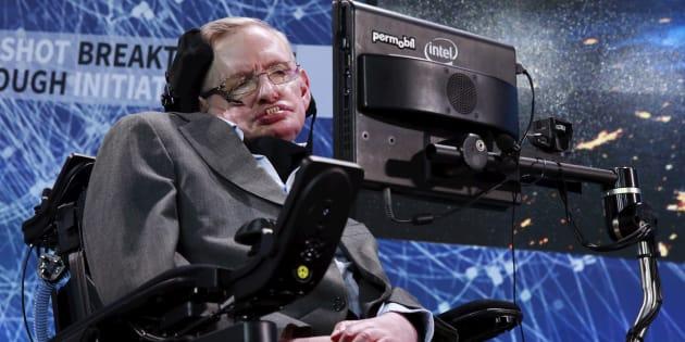 Mort de Stephen Hawking: qu'est-ce que la maladie de Charcot, dont était atteint l'astrophysicien?