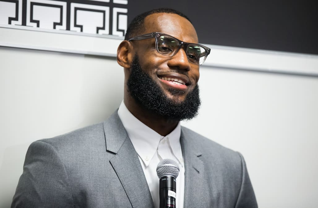 save off 505a0 64004 In light of LeBron James and Akron Public Schools  creating the I Promise  School for 240 third- and fourth-graders, thousands of folks have been  inspired.