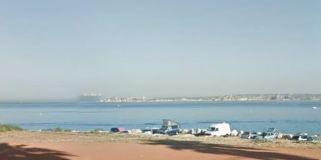 Face à la mer dans le quartier de la Madrague de Montredon à Marseille.