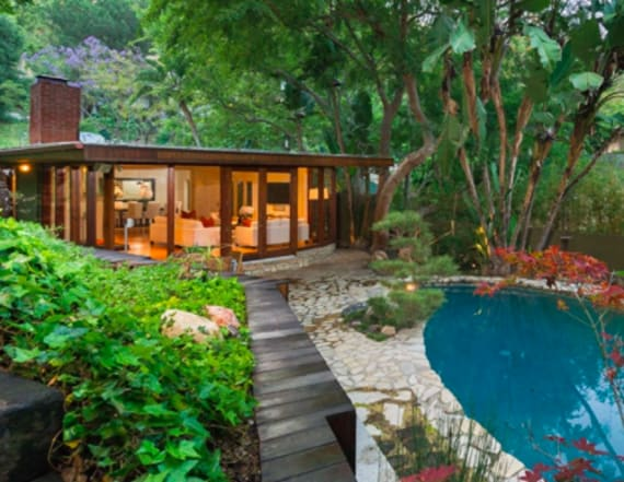 Anna Faris lists 1950s ranch in Hollywood Hills
